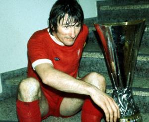 Tommy Smith með bikarinn 1973